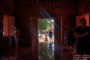 Красный храм Самуи Ламаи