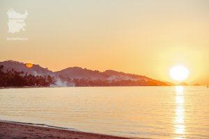 Встреча заката на Самуи пляж Бан-Тай